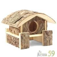 Домик на помосте для мелких животных из неокоренного дерева 15x14x14см